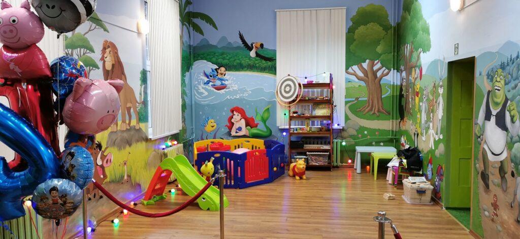Złocieniecka KRAINA VANESSY – nowy lokal dla dzieci. Jest kolorowo i bajecznie