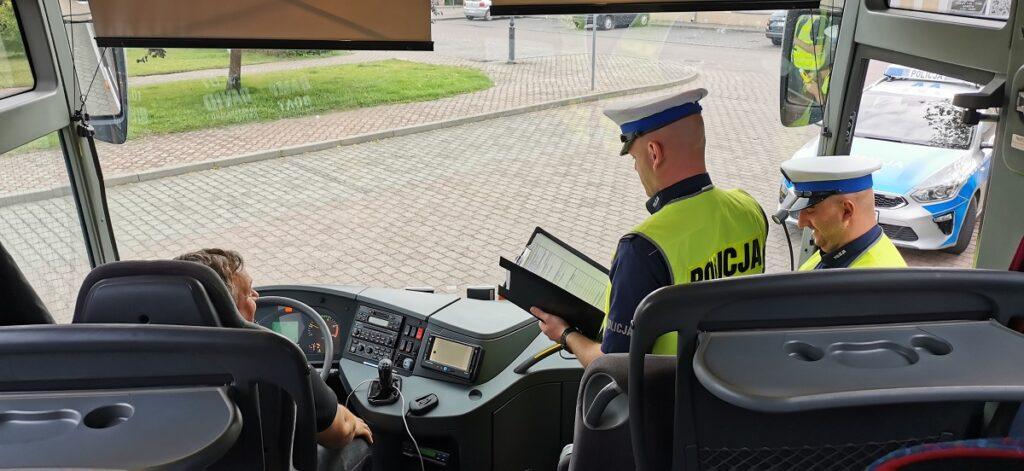 Poranne kontrole autobusów