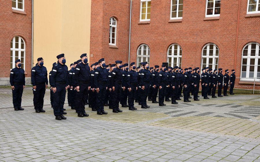 Nowi policjanci w służbie