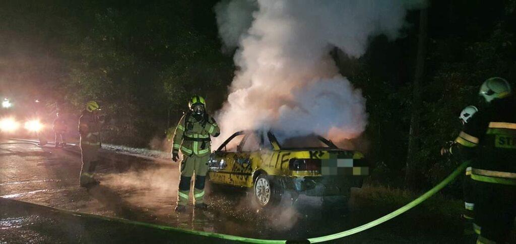 Pożar samochodu. Strażacy szukali kierowcy