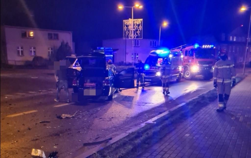 Zderzenie dwóch pojazdów na głównej ulicy w Drawsku Pomorskim