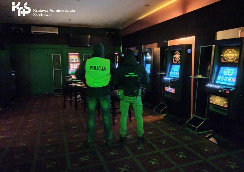 Nielegalne kasyno. Służby w akcji