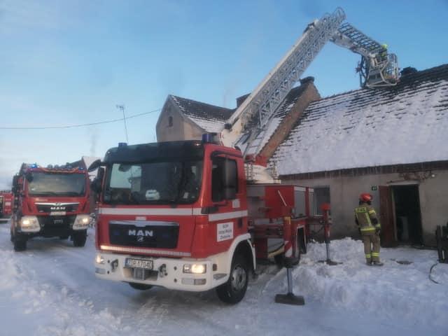 Pożar komina w Sośnicy. W akcji strażacy z regionu