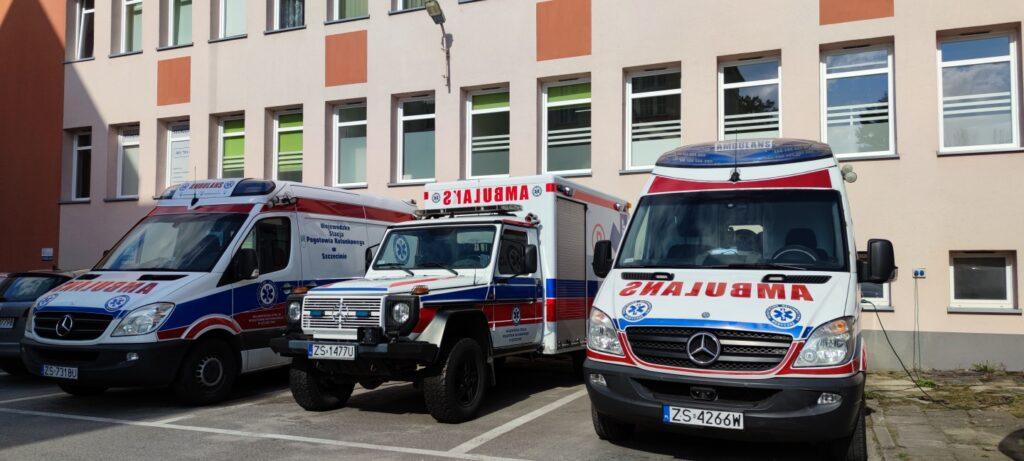 Praca ratowników medycznych w czasie pandemii. Rozmowa z ratownikiem [WIDEO]
