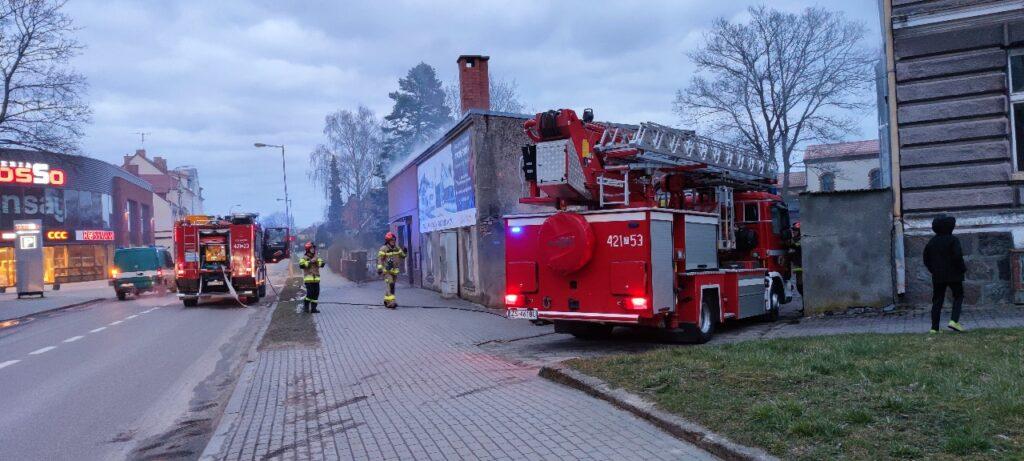 Pożar budynku przy ulicy Złocienieckiej w Drawsku Pomorskim