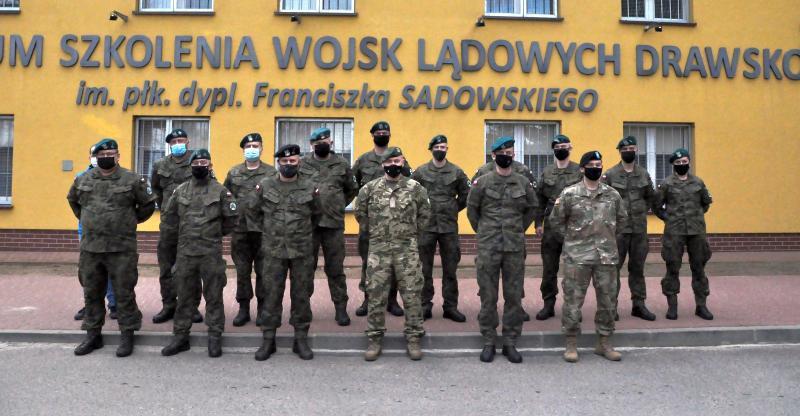 Zastępca Dowódcy Centrum Szkolenia Sił Połączonych NATO odwiedził poligon drawski