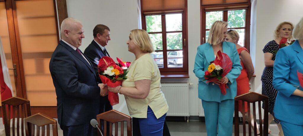 Radni w Drawsku Pomorskim udzielili burmistrzowi absolutorium