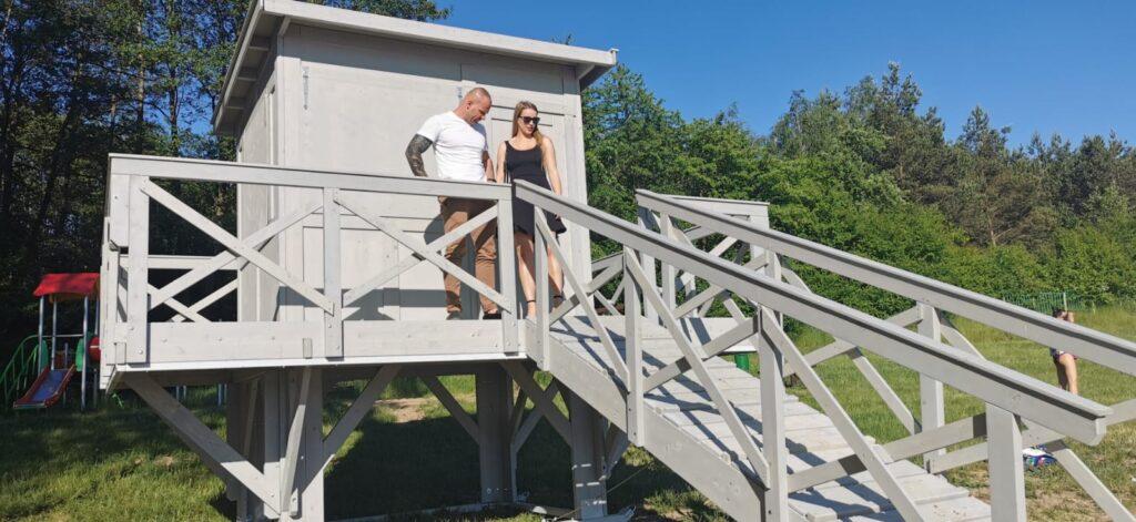 Na plaży w Drawsku Pomorskim stanęła wieża obserwacyjna