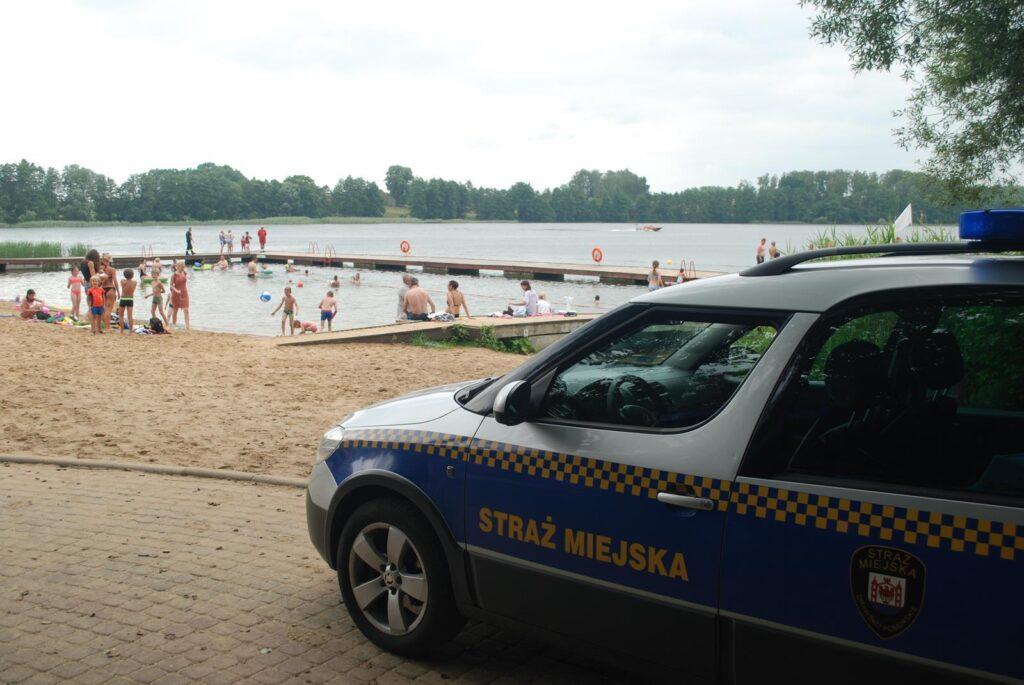 """W Drawsku Pomorskim odbyły się pokazy bezpieczeństwa w ramach akcji """"Bezpieczne wakacje"""""""