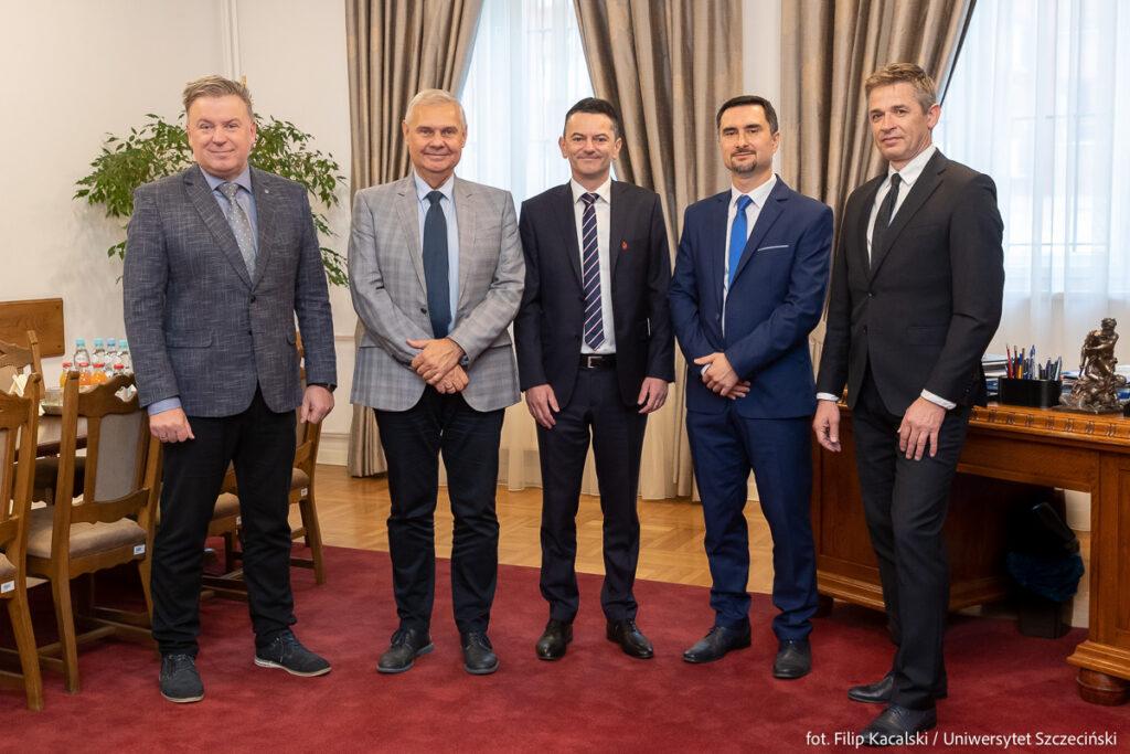 Spotkanie prezesa Macieja Mateńko z rektorem Uniwersytetu Szczecińskiego - prof. dr hab. Waldemarem Tarczyńskim